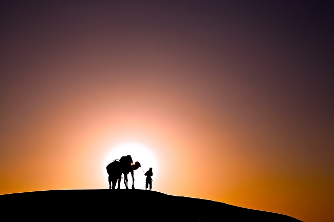Trek-dans-le-desert-du-Sahara-au-Maroc