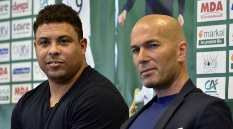 zinedine_zidane_et_ronaldo_ensemble_pour_le_match_contre_la_pauvrete