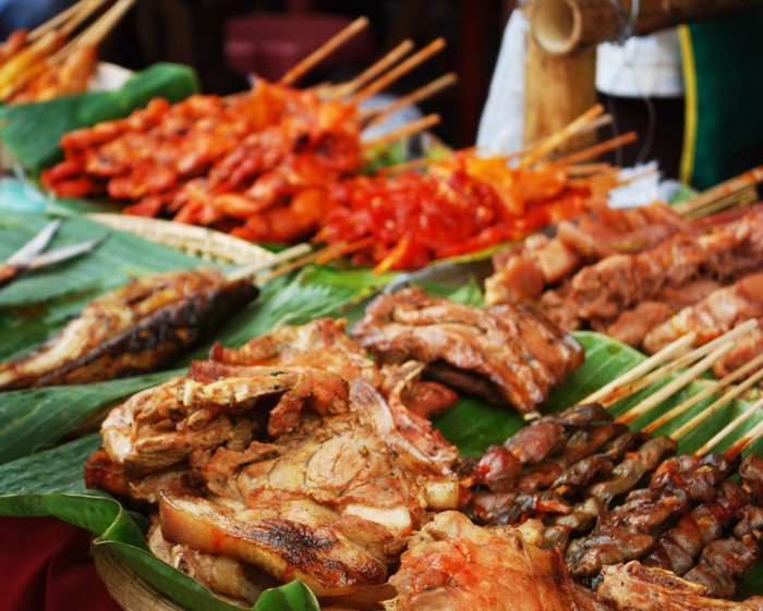 Dinagyang_2009_grilled_meat_on_display