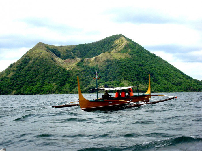 taal-volcano-philippines-woe1