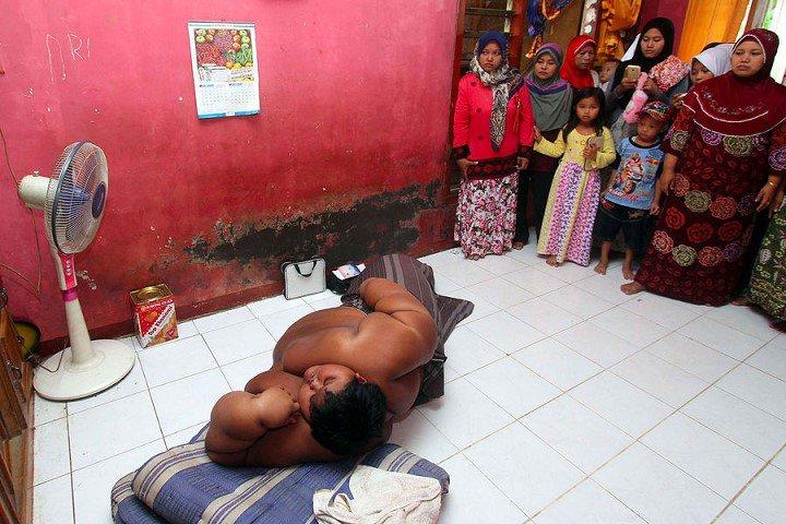Arya-Permana-enfant-192-kilos-10-ans-indonesie-8