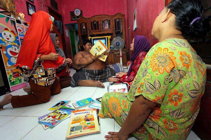 Arya-Permana-enfant-192-kilos-10-ans-indonesie-9