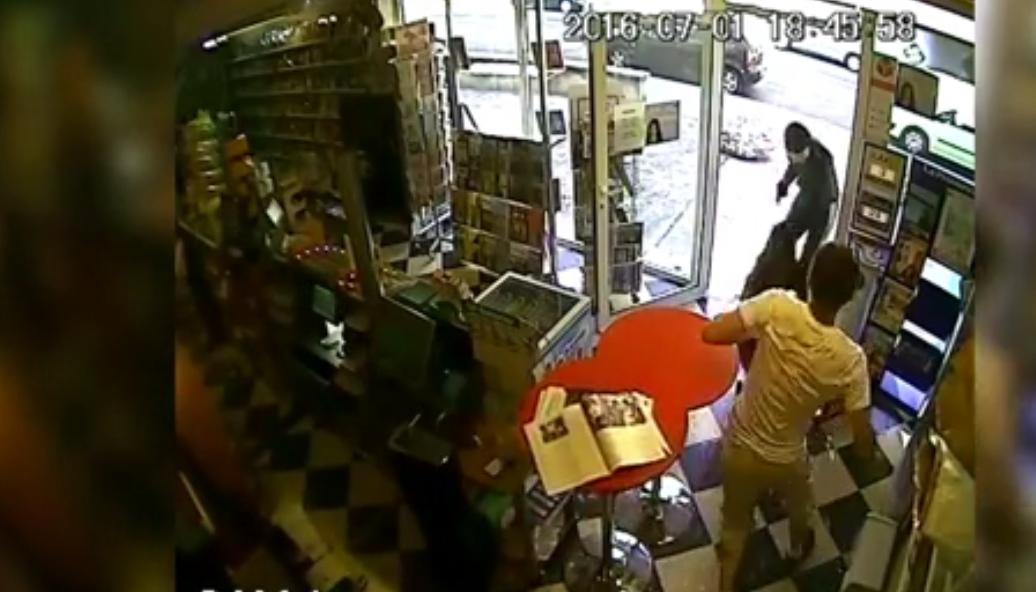 Un chien fait fuir un braqueur dans un bureau de tabac
