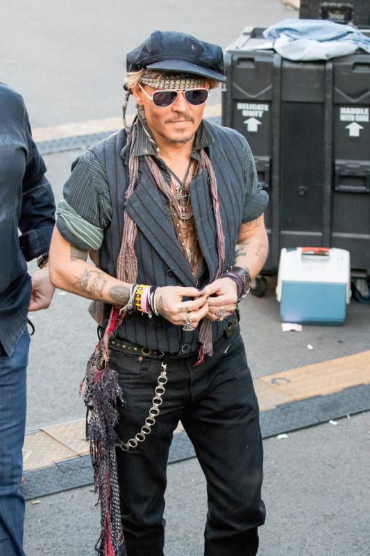 Johnny-Depp-le-31-octobre-a-Los-Angeles_portrait_3