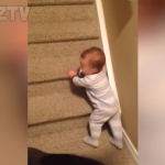 Vidéo Bébés drôles à mourir de rire (compilation vidéo drôle) !