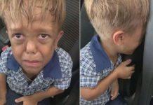 Un enfant harcelé car il est atteint de nanisme