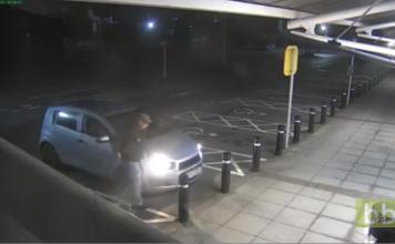 Un vieil homme de 77 ans se défend à mains nues contre un voleur